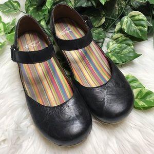 Dansko Closed Toe Leather Black Mary Janes